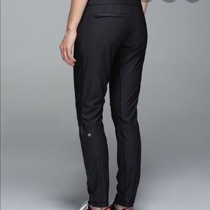 Lululemon feeling frosty pants black sz 6 EUC